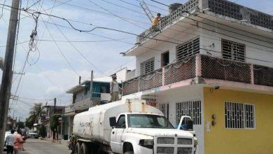 Photo of Alvaradeños exigen al CAEV que solucione la falta de agua y el brote de aguas negras