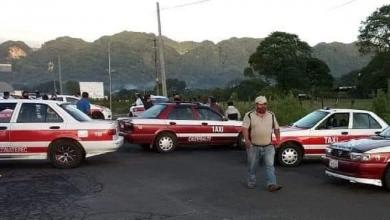 Photo of Taxistas bloquean carretera Huatusco-Xalapa