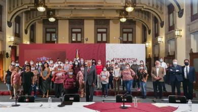 Photo of AMLO recibe en Palacio Nacional a familiares de mineros de Pasta de Conchos
