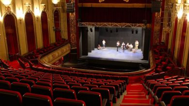 Photo of «El teatro va a salir ganando tras la pandemia», afirma dramaturga