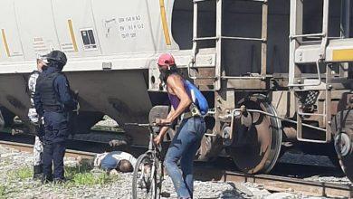 Photo of Lo atropella el tren y le amputa una pierna tras no respetar señal de alto