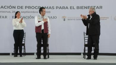 Photo of Cuitláhuac García «nos aligera la carga» al gobernar bien Veracruz: AMLO