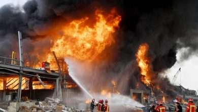 Photo of Incendio en el puerto de Beirut desata pánico semanas después de devastadora explosión