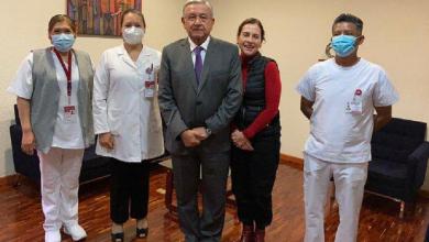 Photo of Aplican vacuna contra la influenza a López Obrador y a su esposa