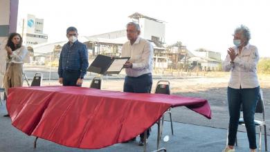 Photo of AMLO firma compromiso para iniciar cuanto antes en rescate de los cuerpos de Pasta de Conchos