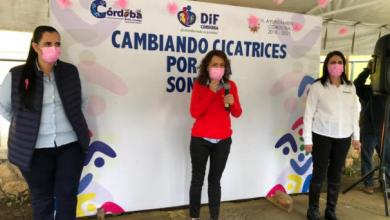 """Photo of Entrega DIF Córdoba prótesis mamarias  y concluye programa """"Cambiando cicatrices""""."""