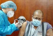 Photo of Vacuna de AstraZeneca genera respuesta inmune en adultos mayores y jóvenes