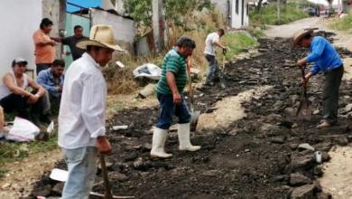 Photo of Se organizan colonos para bachear su calle ante omisión gubernamental