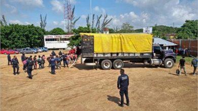 Photo of Resguardan a 105 migrantes y capturan a 2 traficantes de personas en Minatitlán