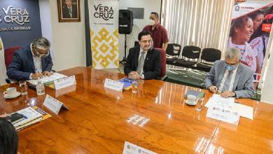 Photo of UV y Sedesol signaron convenio para realizar foro sobre Bienestar Social