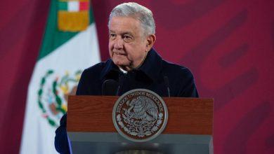 Photo of López Obrador respeta pero no comparte iniciativa de Monreal sobre redes sociales