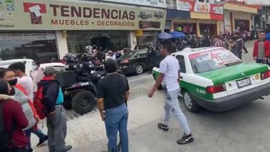 Photo of Policías de Xalapa y comerciantes se enfrentan a golpes