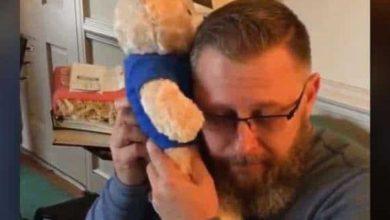 Photo of Padre recibe los latidos del corazón de su hijo fallecido en oso de peluche