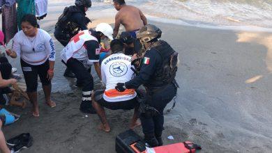 Photo of Rescatan a bañista infartado en playa regatas de Veracruz
