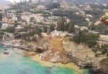 Photo of ¡Insólito! Cementerio se derrumba y ataúdes caen al mar