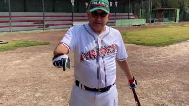 Photo of AMLO regresa a practicar béisbol tras COVID-19